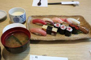 S  3776518 300x200 - (BKKグルメ)「さくら川 プチ贅沢バンコクで絶品寿司ランチ」